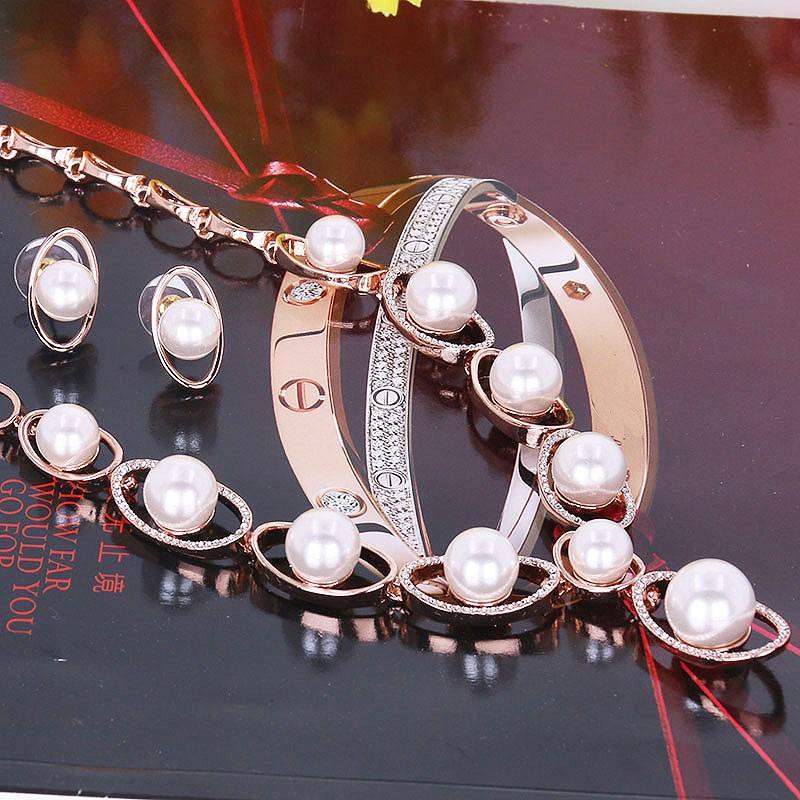 Комплект «Русалочка» из жемчуга с кристаллами Сваровски